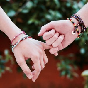 Bindung_Hände_halten
